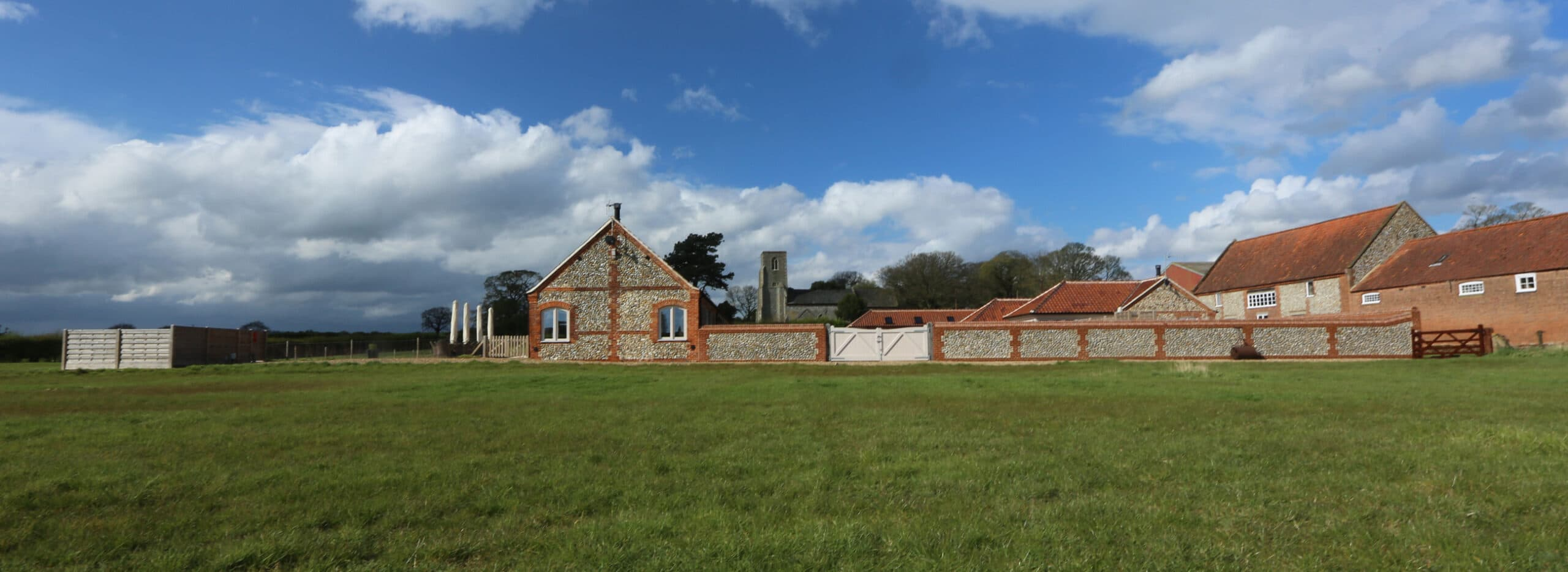 The barn - The lodge - St Peter church slider image