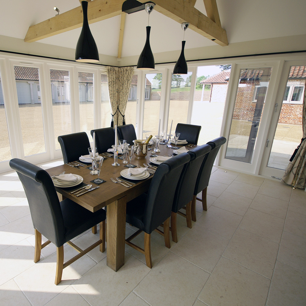 The Lodge - Panoramic Dining Area