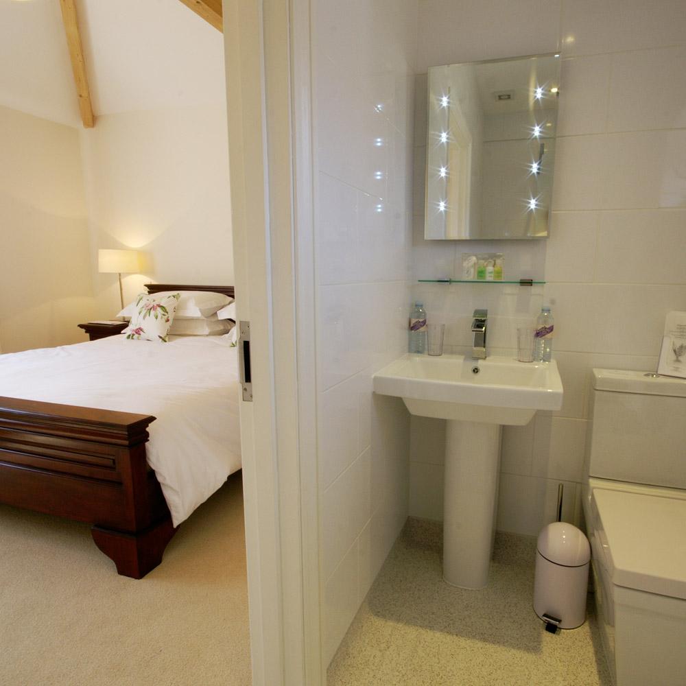 The Lodge - Master Bedroom 3 - En-suite